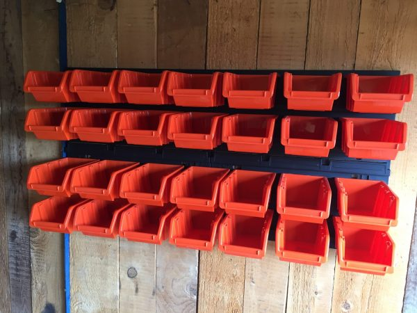 Bolt Bin Organizer M28 is suitable for organizing your bolts, nuts and other small tools in a garage, shed or workshop.
