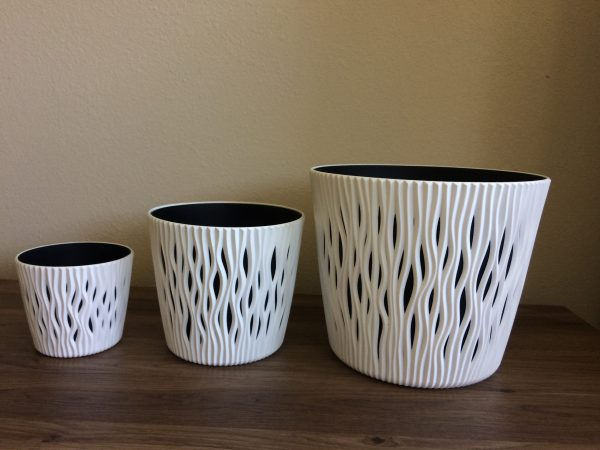 Make your home or garden stylish and modern with our cute Wave Round Planter. Everyone will love it! Just choose the right size and fancy color for you!